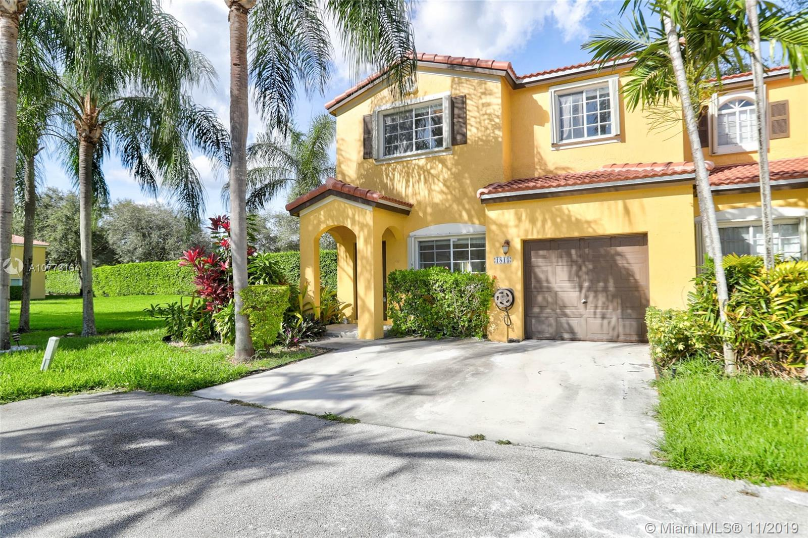 1815 S W 102nd Ave  For Sale A10773164, FL