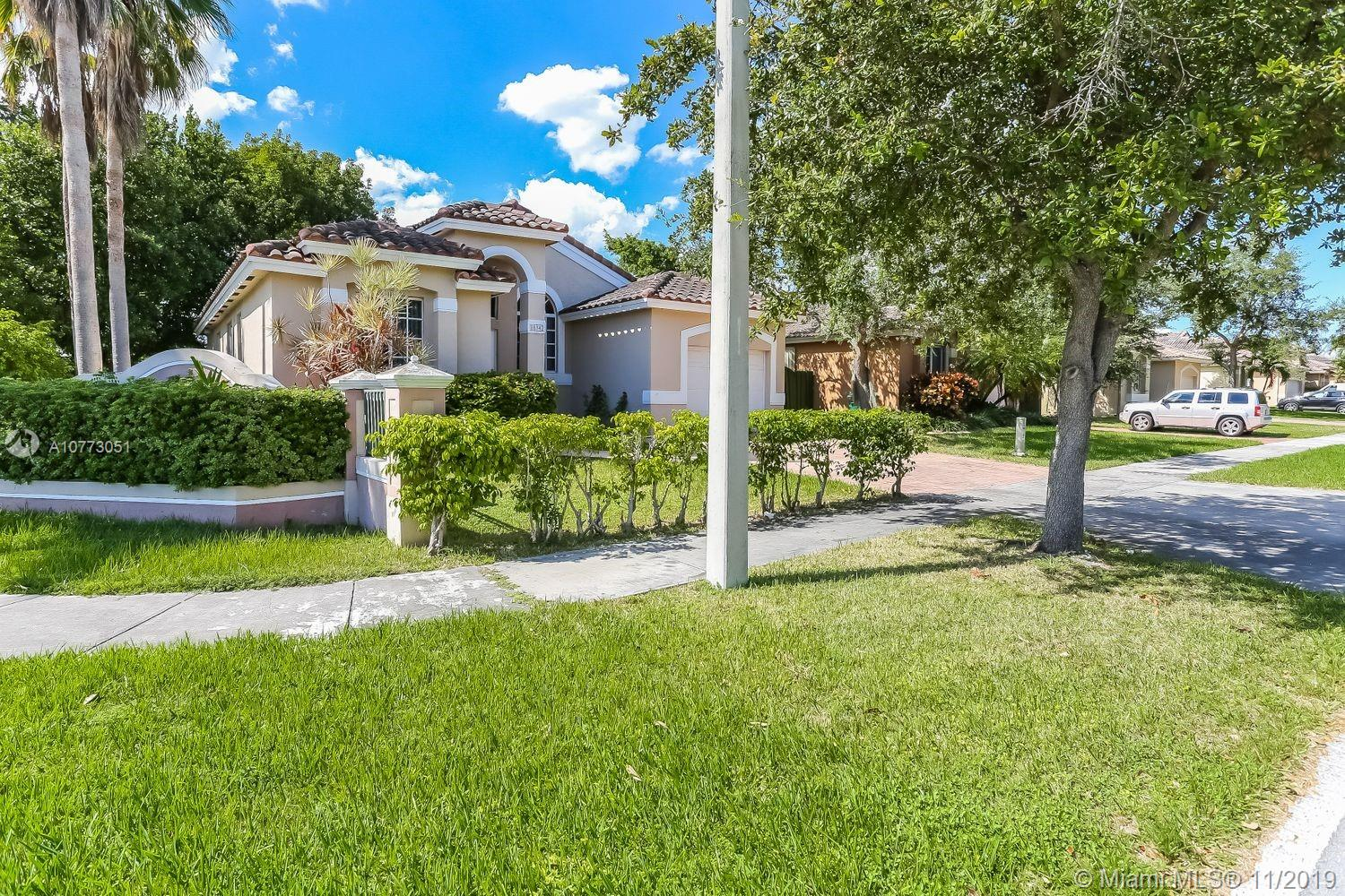 18342 SW 94th Ct  For Sale A10773051, FL