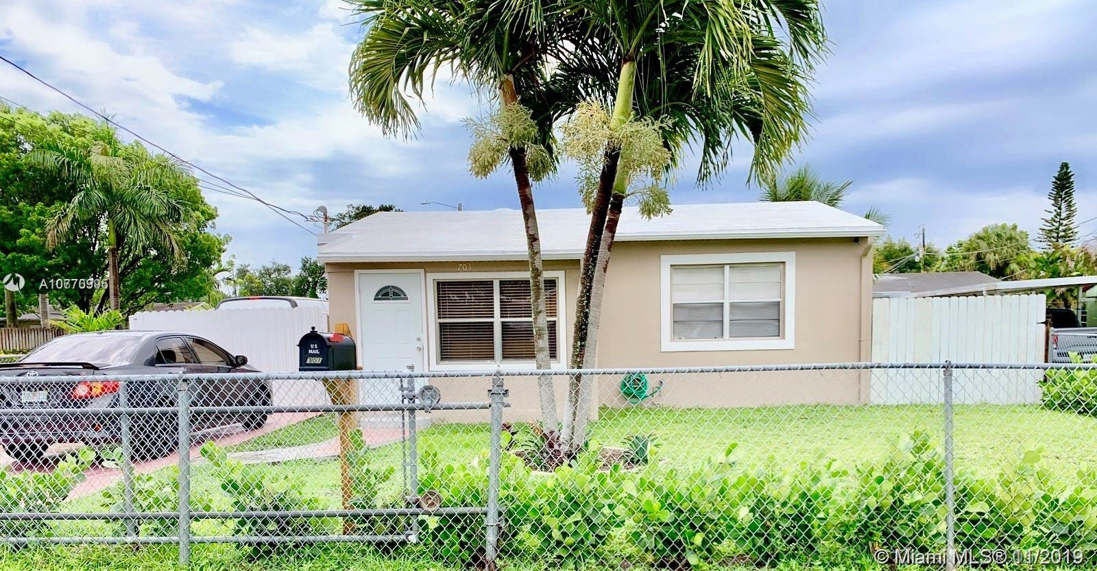 701 SW 7th Ter  For Sale A10770995, FL