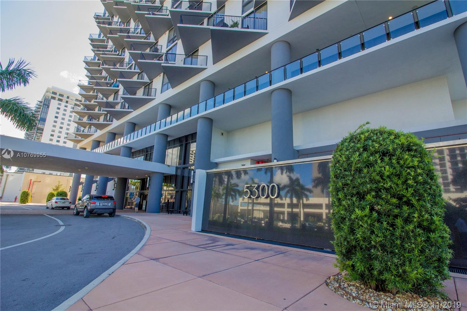 5300  Paseo Blvd #814 For Sale A10769955, FL