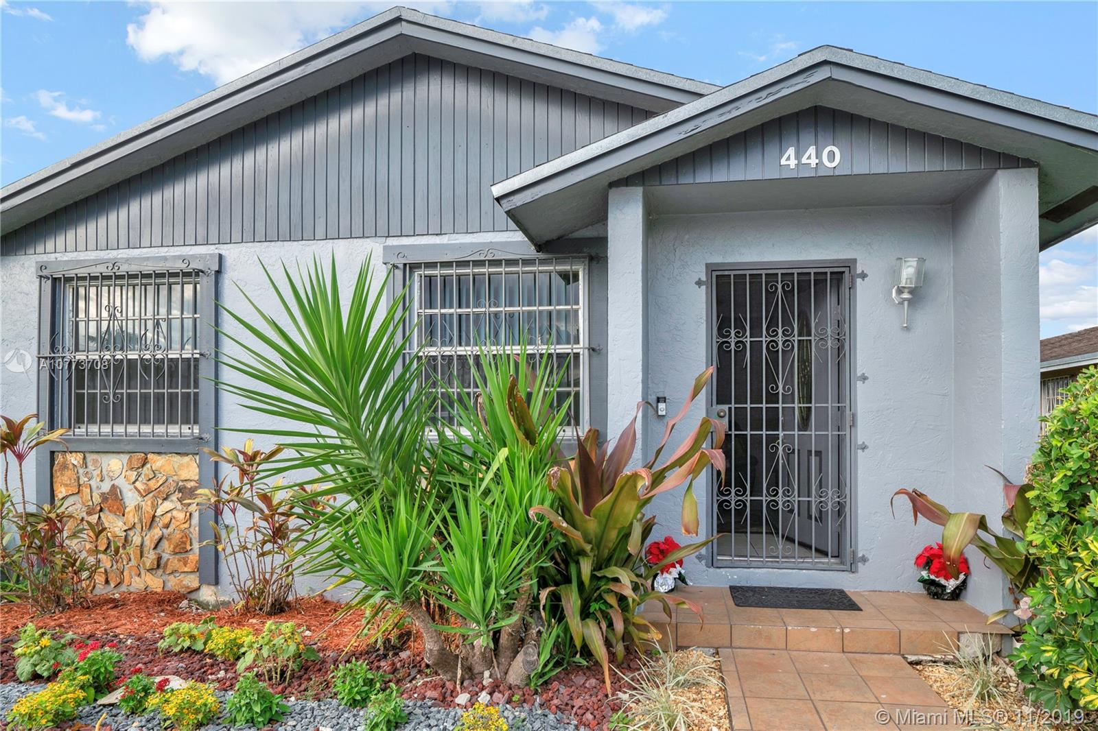 440 NW 15th St  For Sale A10773708, FL