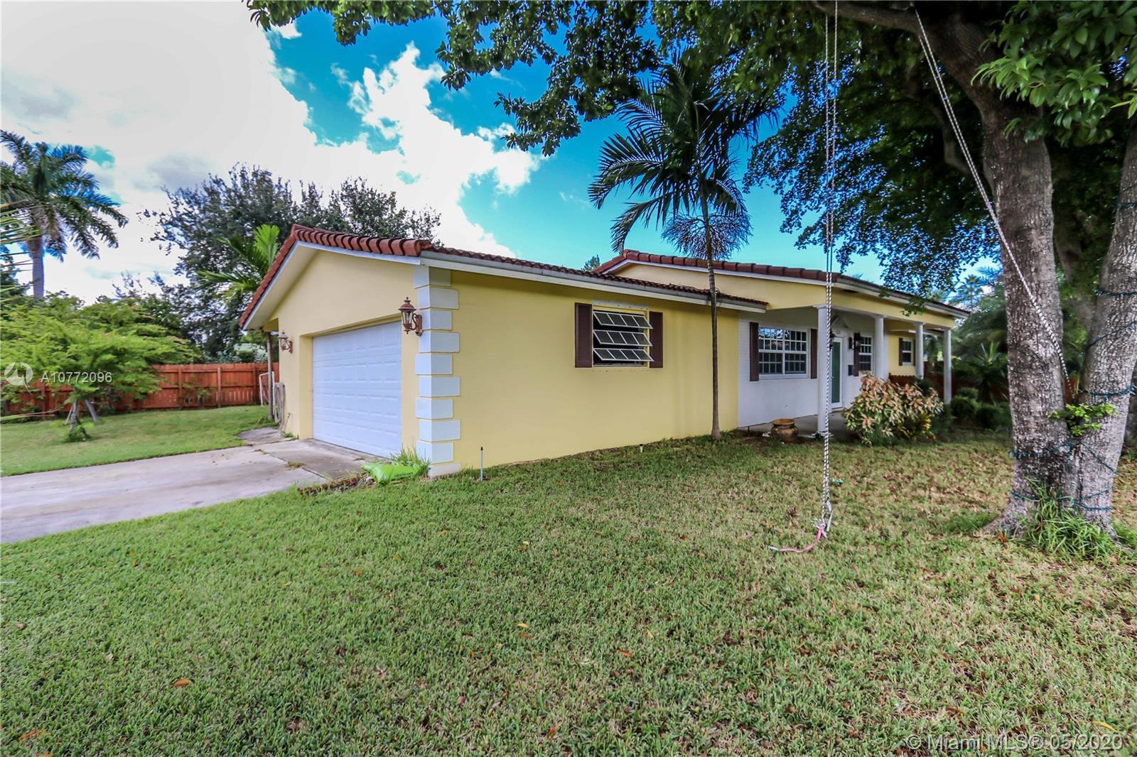 525 NE 3rd St  For Sale A10772096, FL