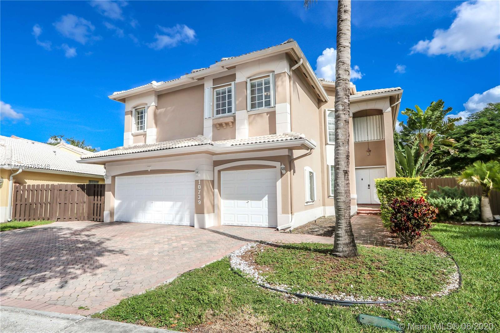 10739 NW 70th Ln  For Sale A10765146, FL