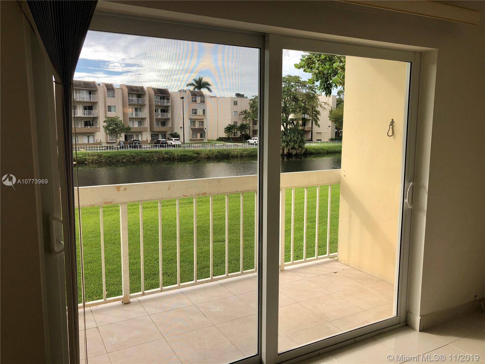 Large one bedroom unit with new tile floors and new AC with a large balcony overlooking the canal. Clean and ready to move in.  Kings Creek is a quiet community really close to Dadeland Mall and many highways, 826, 874 and US1, very central.