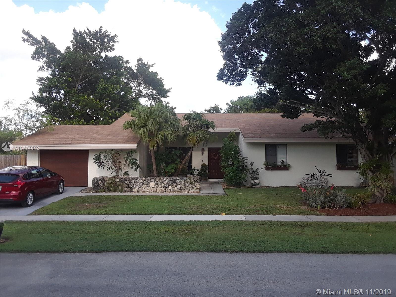 16571 Lake Tree Dr, Weston FL 33326