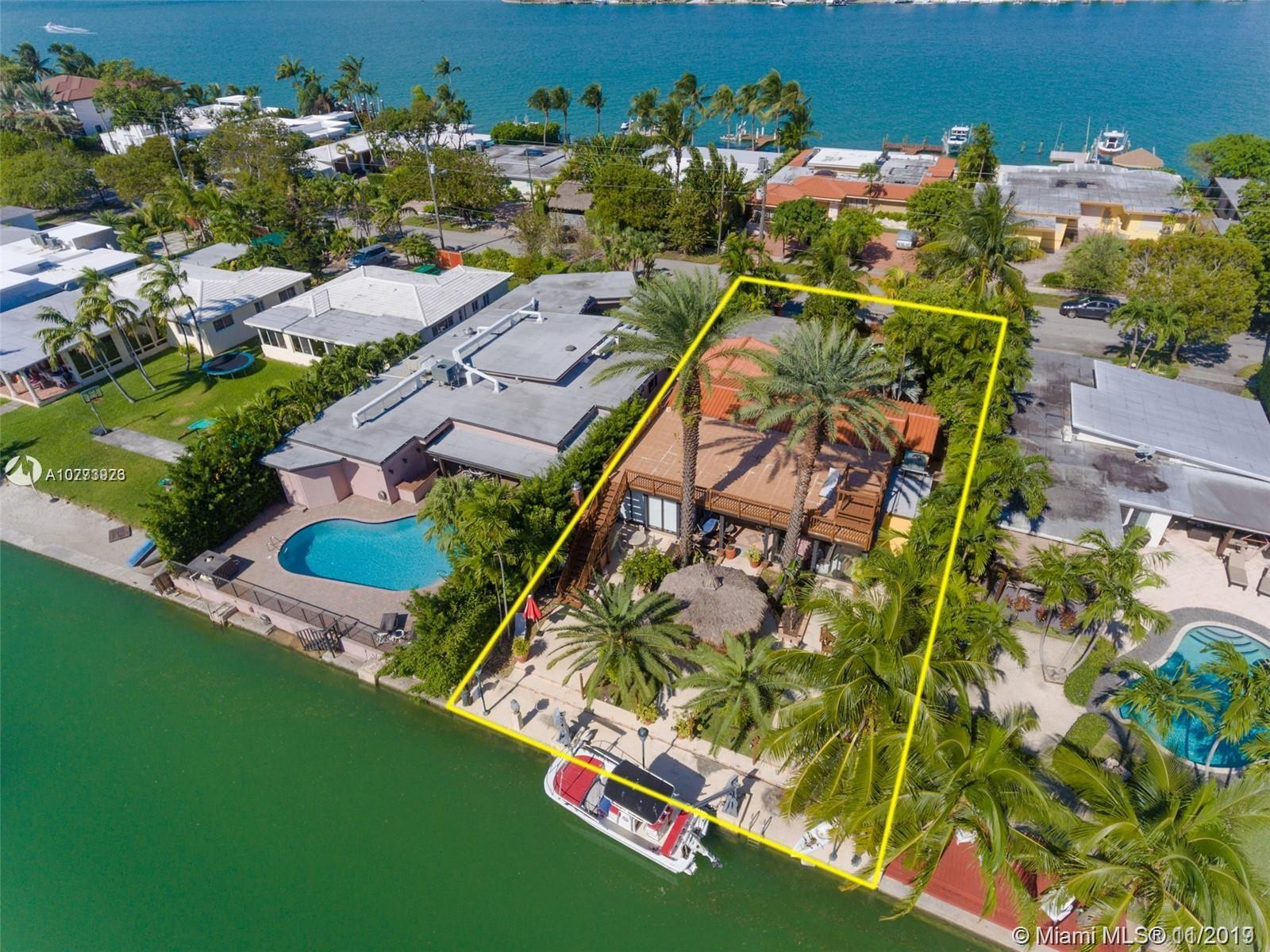 1510  Cleveland Rd  For Sale A10773923, FL