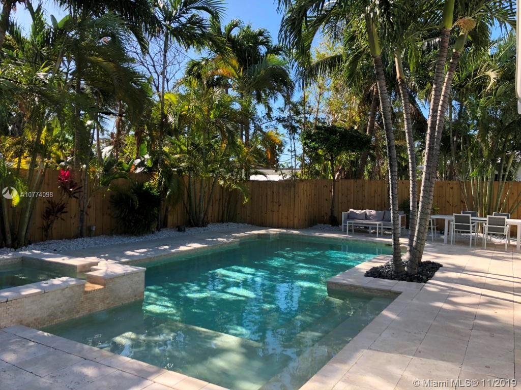 920 N Shore Dr  For Sale A10774098, FL