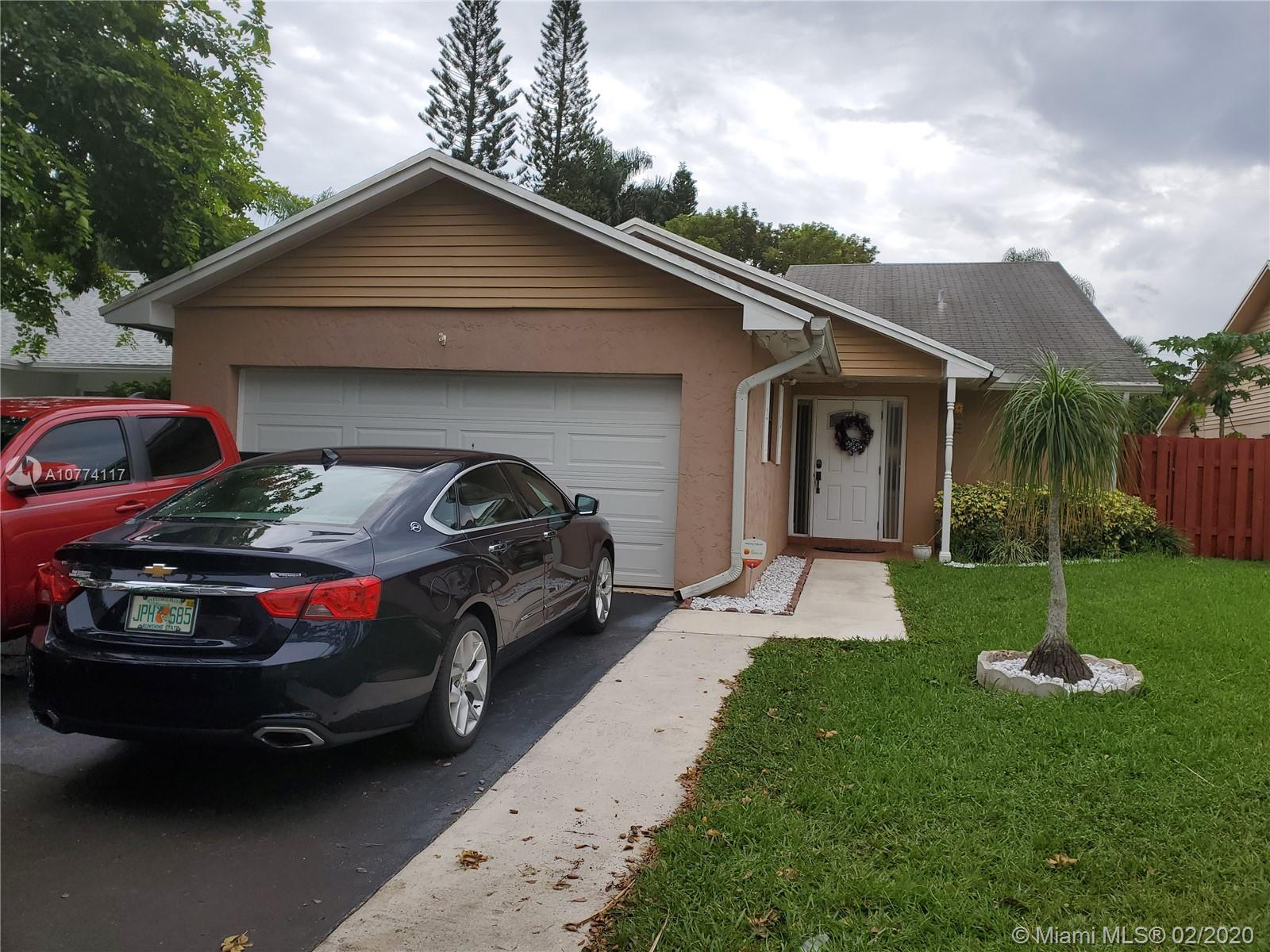 8340 SW 41st Ct  For Sale A10774117, FL