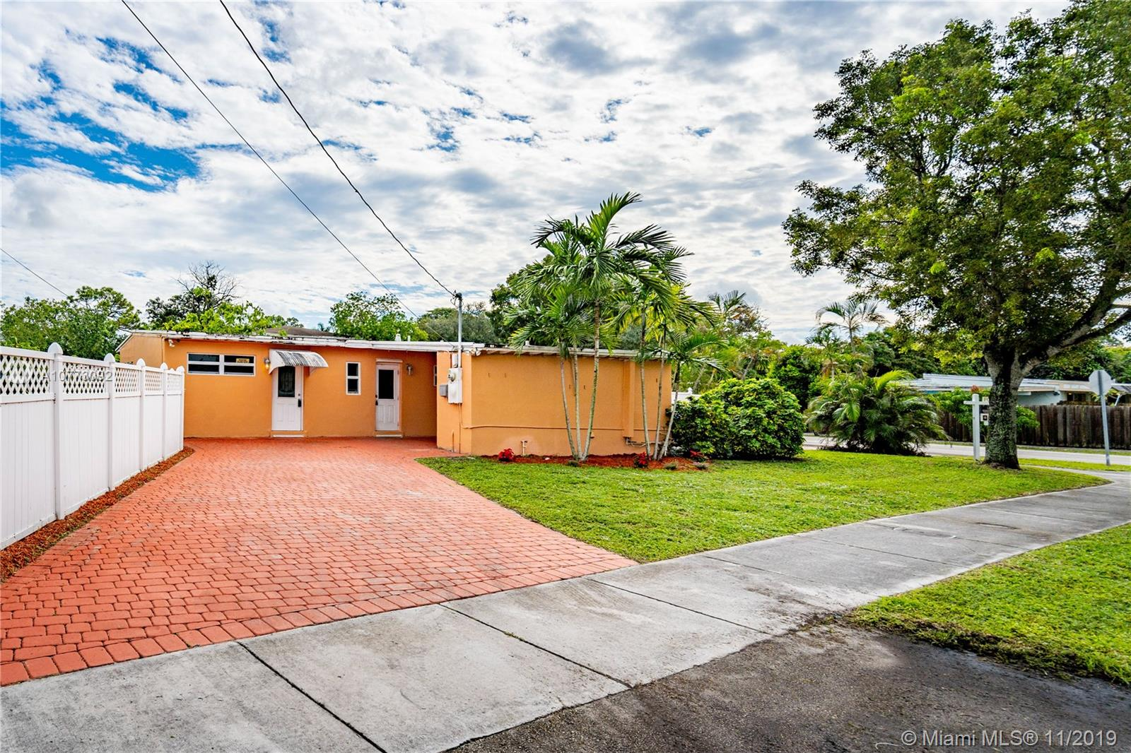 3137 S W 15th St  For Sale A10773092, FL