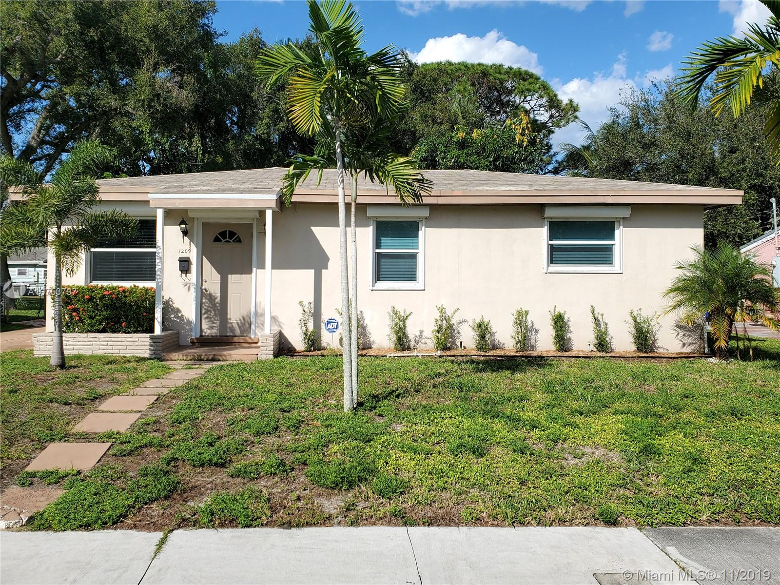 1209 SW 20TH STREET  For Sale A10753797, FL