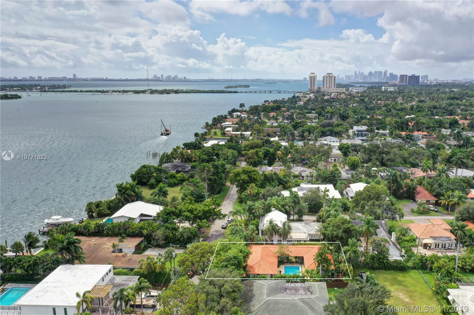 9250 N Bayshore Dr  For Sale A10771623, FL