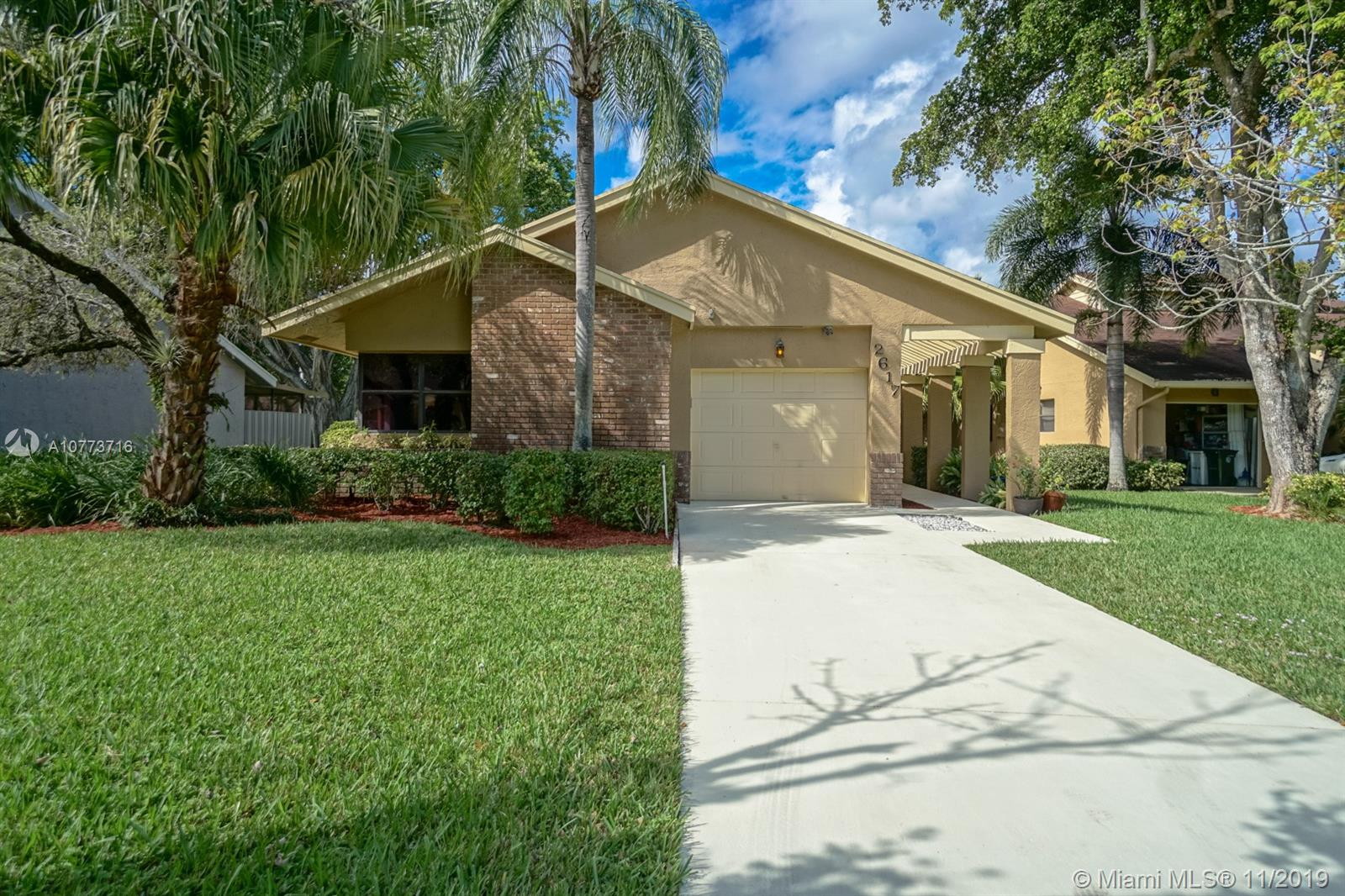 BEAUTIFUL HOME NESTED IN THE HEART OF COCONUT CREEK. 3 BEDS 2 BATHS. LARGE SCREENED PATIO W/ROLL UP SHUTTERS. ONE CAR GARAGE. WALK IN CLOSET IN MASTER BED. VAULTED CEILING. ASSOCIATION ALLOWS 2 SMALL PETS. 55 AND OVER COMMUNITY.
