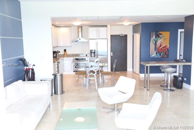 2301  Collins Ave   1633