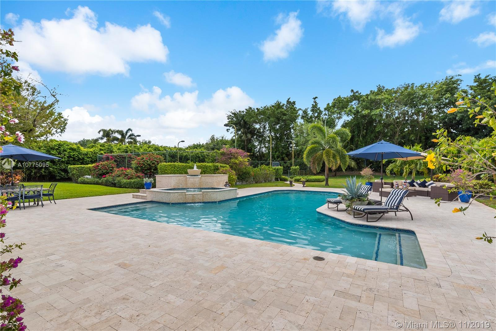 8208 Twin Lake Dr, Boca Raton, FL 33496