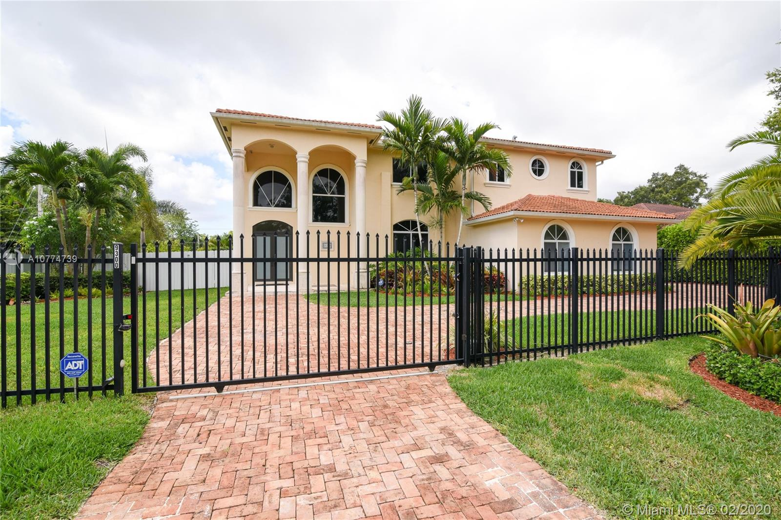 9300 SW 149 ST  For Sale A10774739, FL