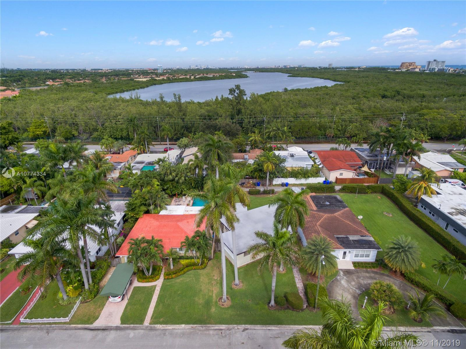 919  Lincoln St  For Sale A10774334, FL
