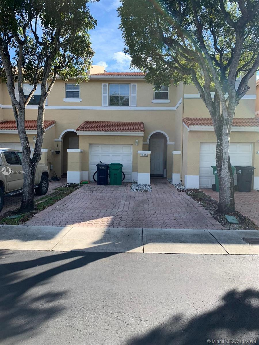 BEAUTIFUL 2/2.5 TOWNHOUSE WITH ONE CAR GARAGE. PROPERTY FEATURES 2 MASTER BEDROOMS UPSTAIRS. FULLY TILED IN THE FIRST FLOOR, AND LAMINATE WOOD IN THE SECOND FLOOR. THIS HOME IS LOCATED IN A GATED COMMUNITY, CLOSE SHOPPING CENTERS, RESTAURANTS, MALLS, AND GREAT SCHOOLS. EASY ACCESS TO THE HIGHWAY. WELL PRICED.