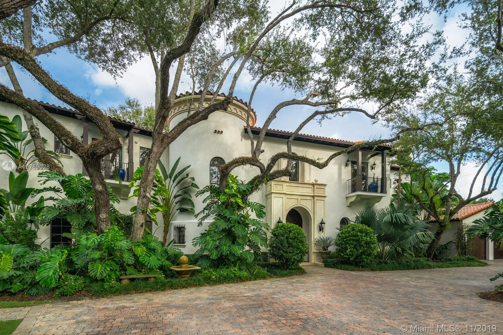 8301 SW 53rd Ave  For Sale A10769028, FL