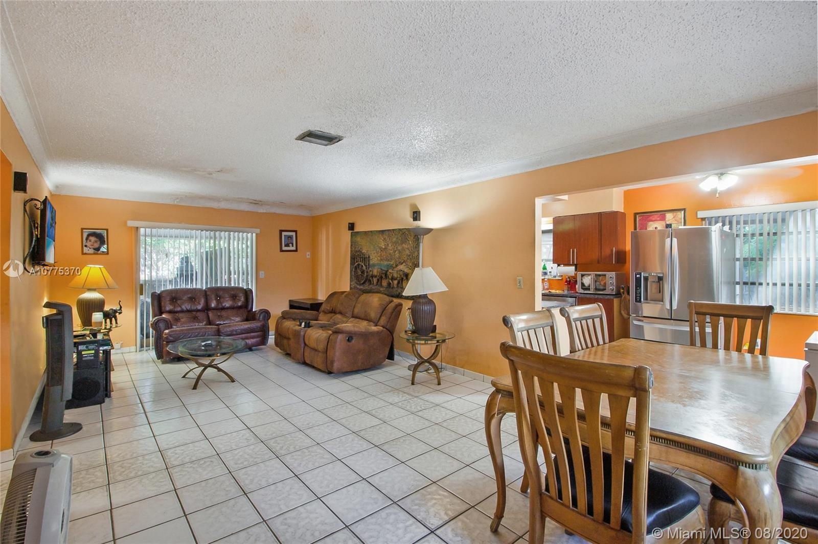 1201 SW 43rd Ave  For Sale A10775370, FL