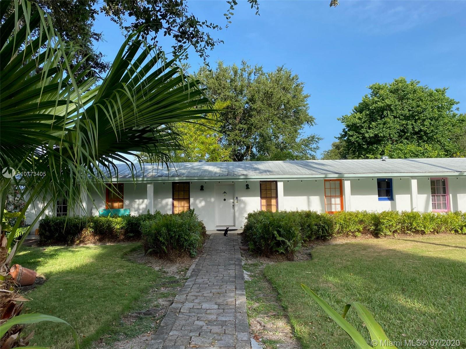 6890 SW 70th Ave  For Sale A10773405, FL