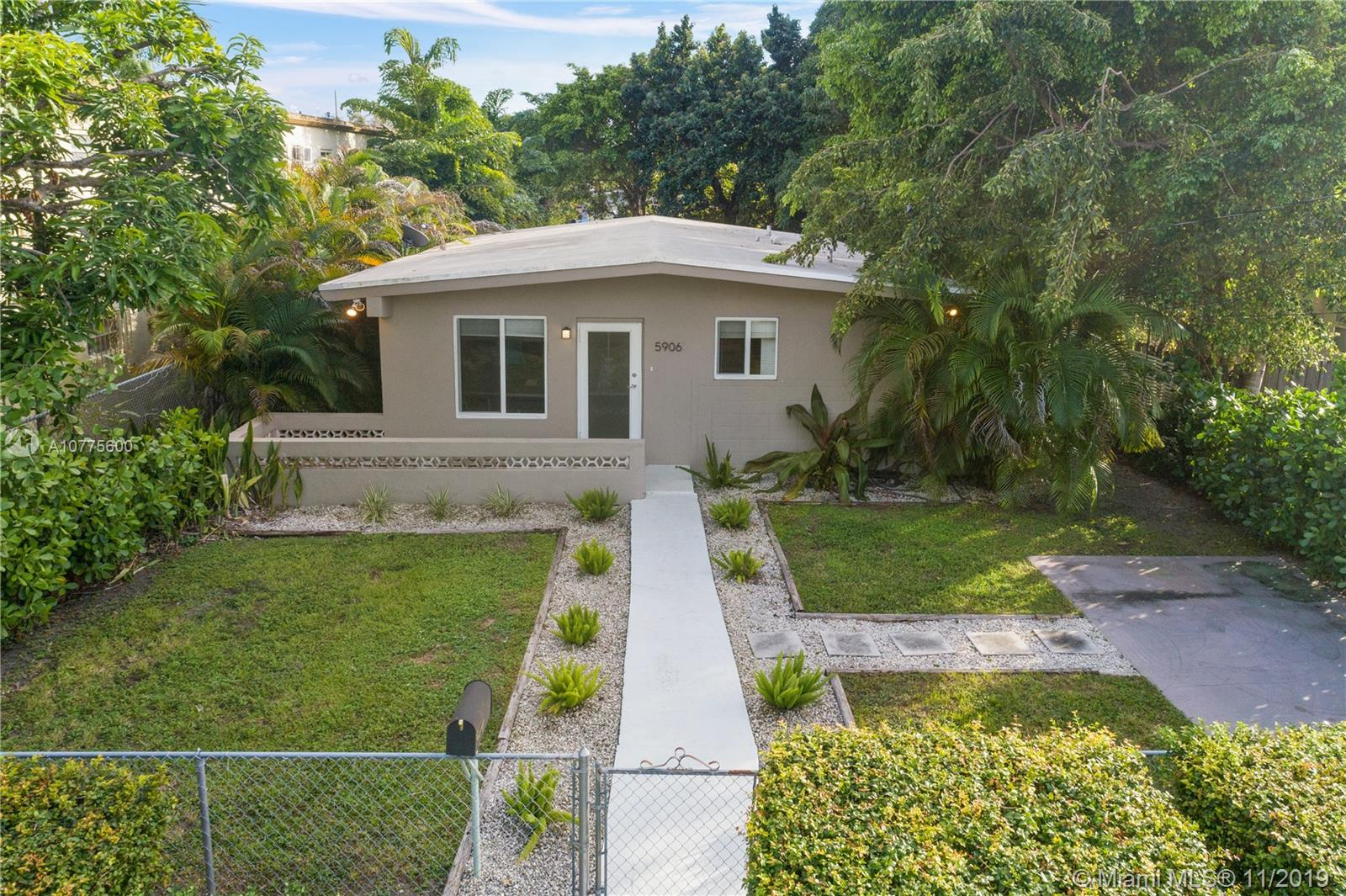 5906 SW 66th St  For Sale A10775600, FL