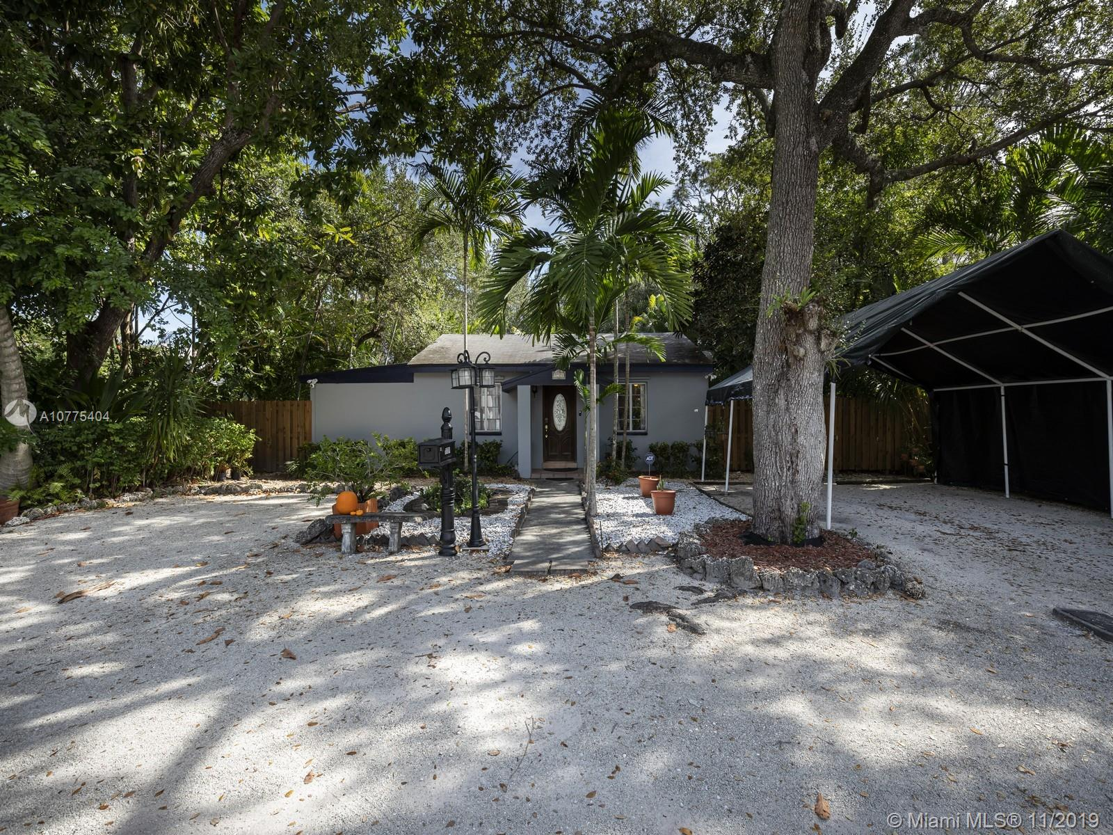 7721 SW 61st Ave  For Sale A10775404, FL