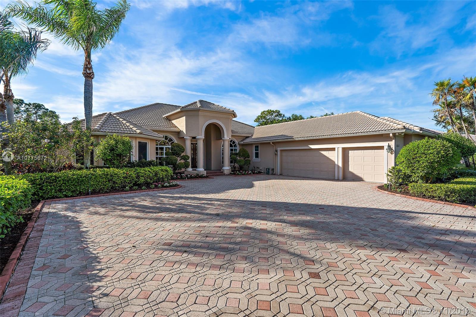 8055 Woodsmuir Dr, Palm Beach Gardens, FL 33412
