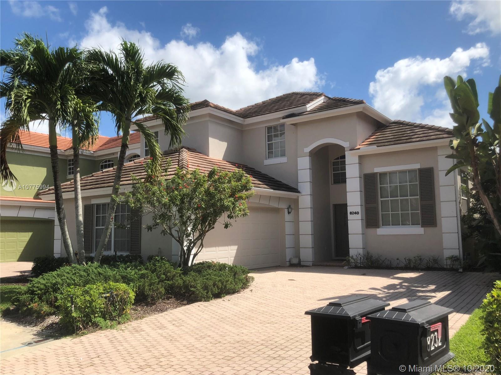 8240 Heritage Club Dr, West Palm Beach, FL 33412