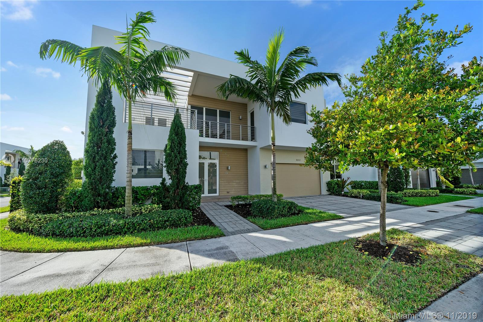 10042 NW 76th Ter  For Sale A10776230, FL