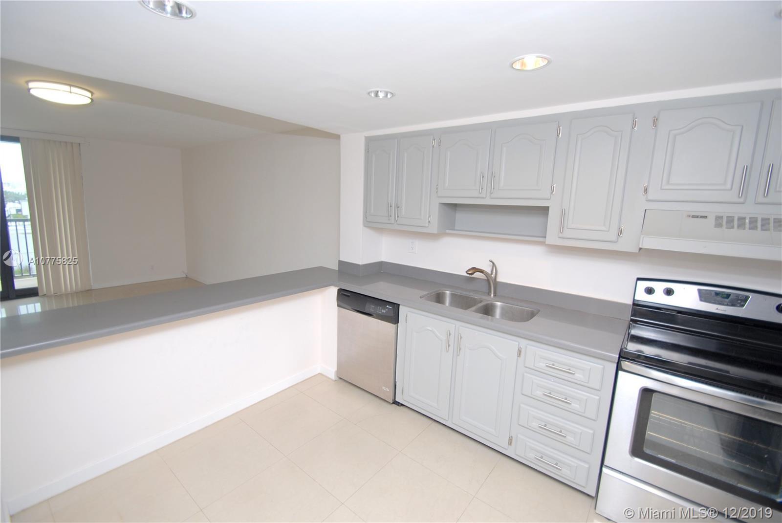 1800  Collins Ave #8E For Sale A10775825, FL