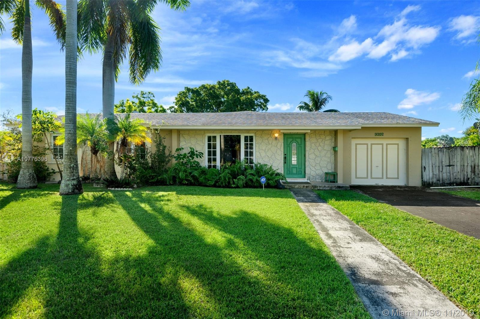 9202 SW 181st Ter  For Sale A10776396, FL