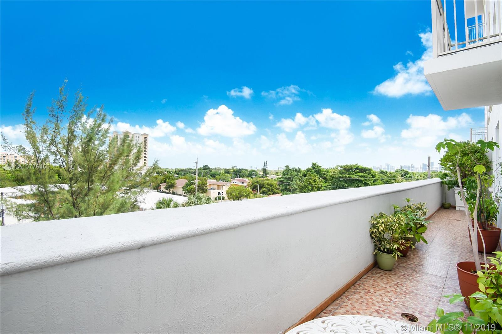 2030 S Douglas Rd #422 For Sale A10776455, FL