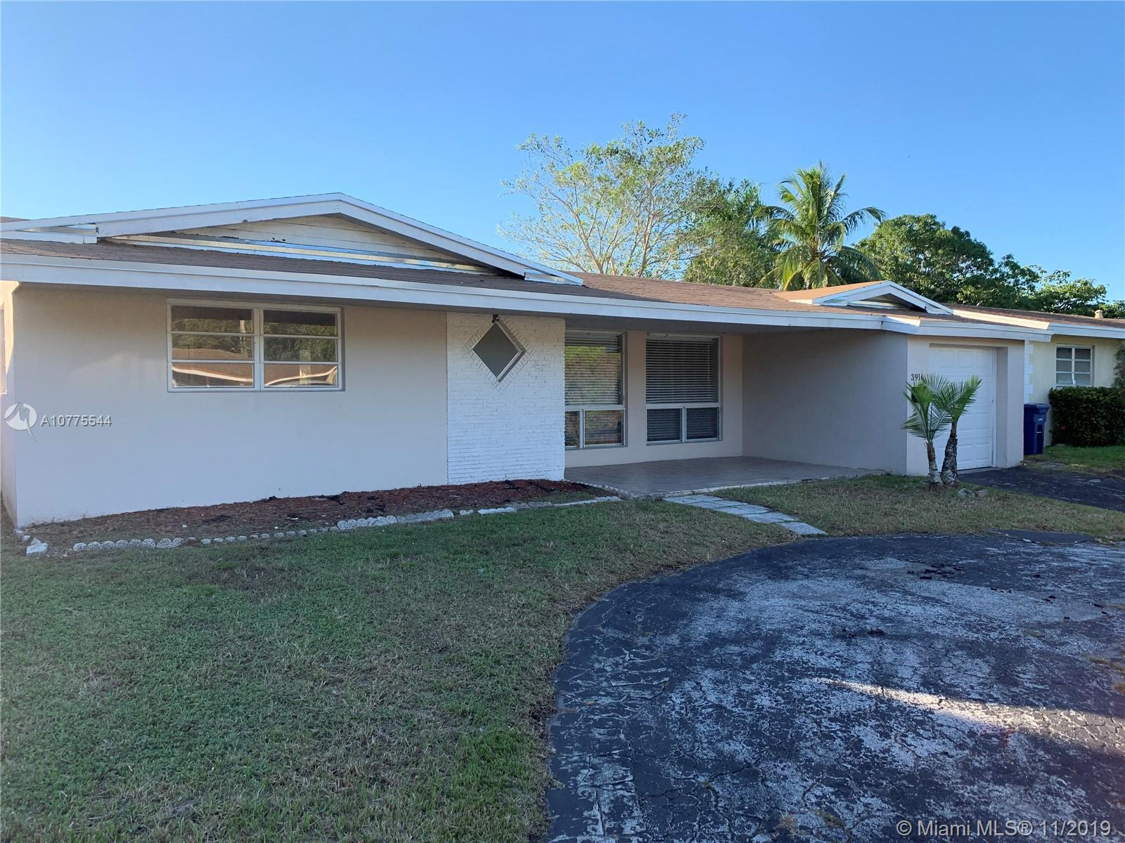 3916 E Shore Rd  For Sale A10775544, FL