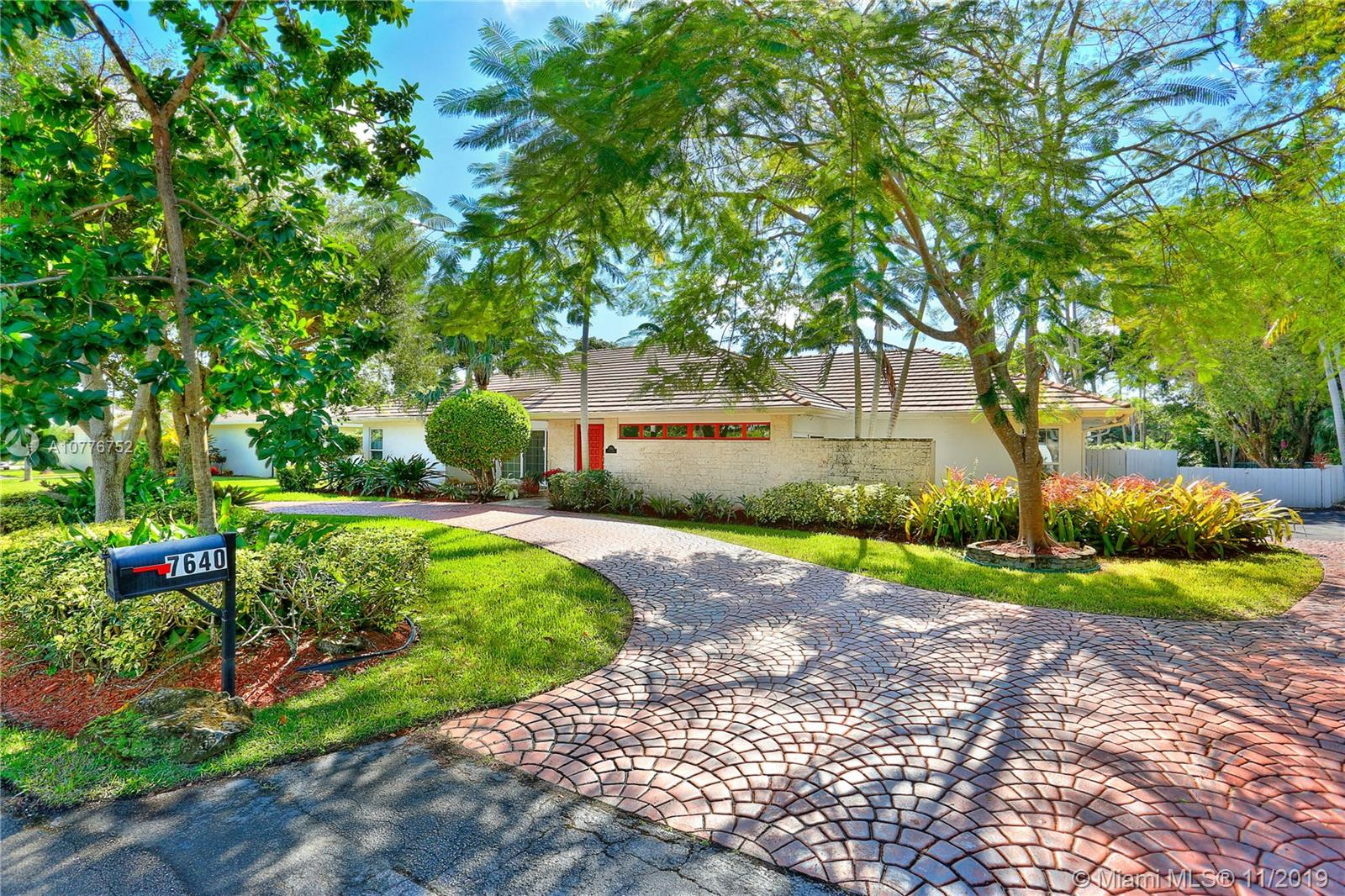 7640 SW 107th St  For Sale A10776752, FL
