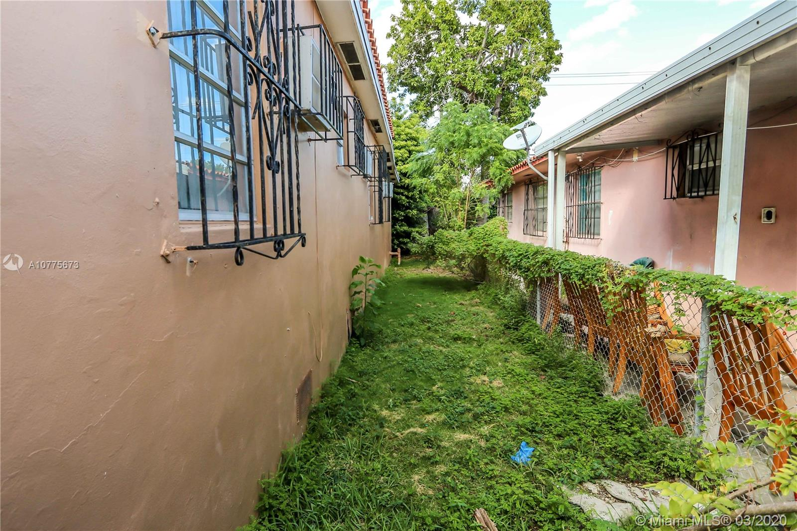 1851 NW 17th St  For Sale A10775673, FL