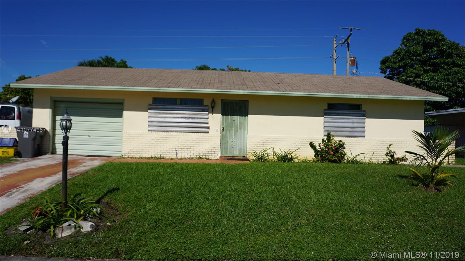 5971 Caribbean Blvd, West Palm Beach, FL 33407