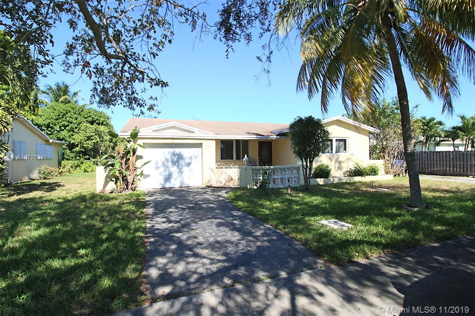 4621  Johnson St  For Sale A10777017, FL