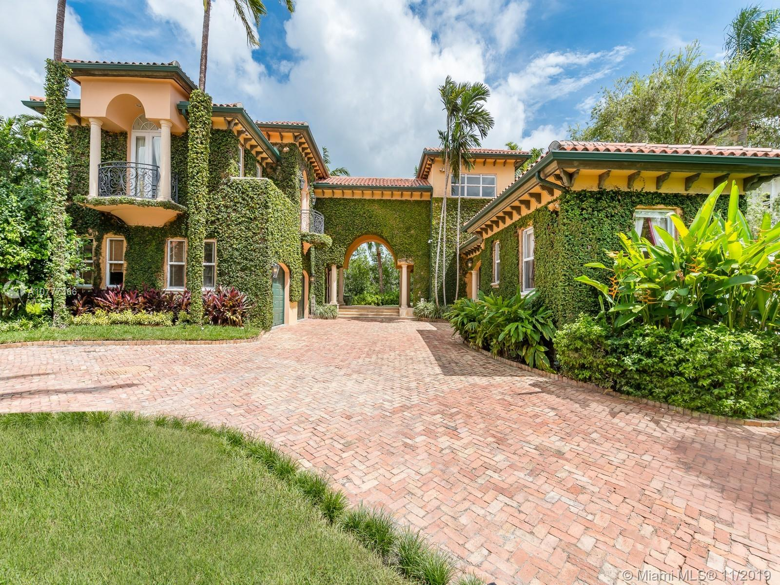 104  Paloma Dr  For Sale A10777366, FL