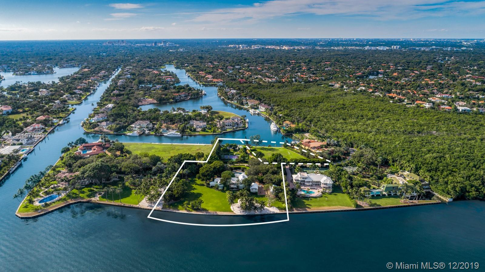 21  Casuarina Concourse  For Sale A10776984, FL