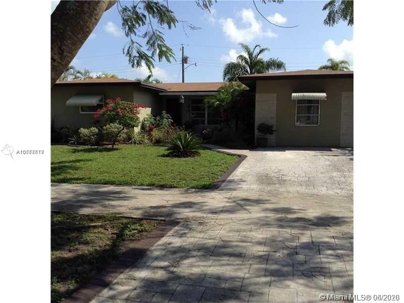 3910  Taft St  For Sale A10777619, FL
