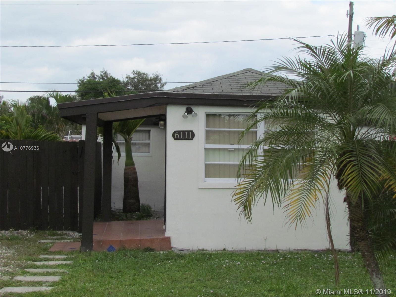 6111 SW 39th St  For Sale A10776936, FL