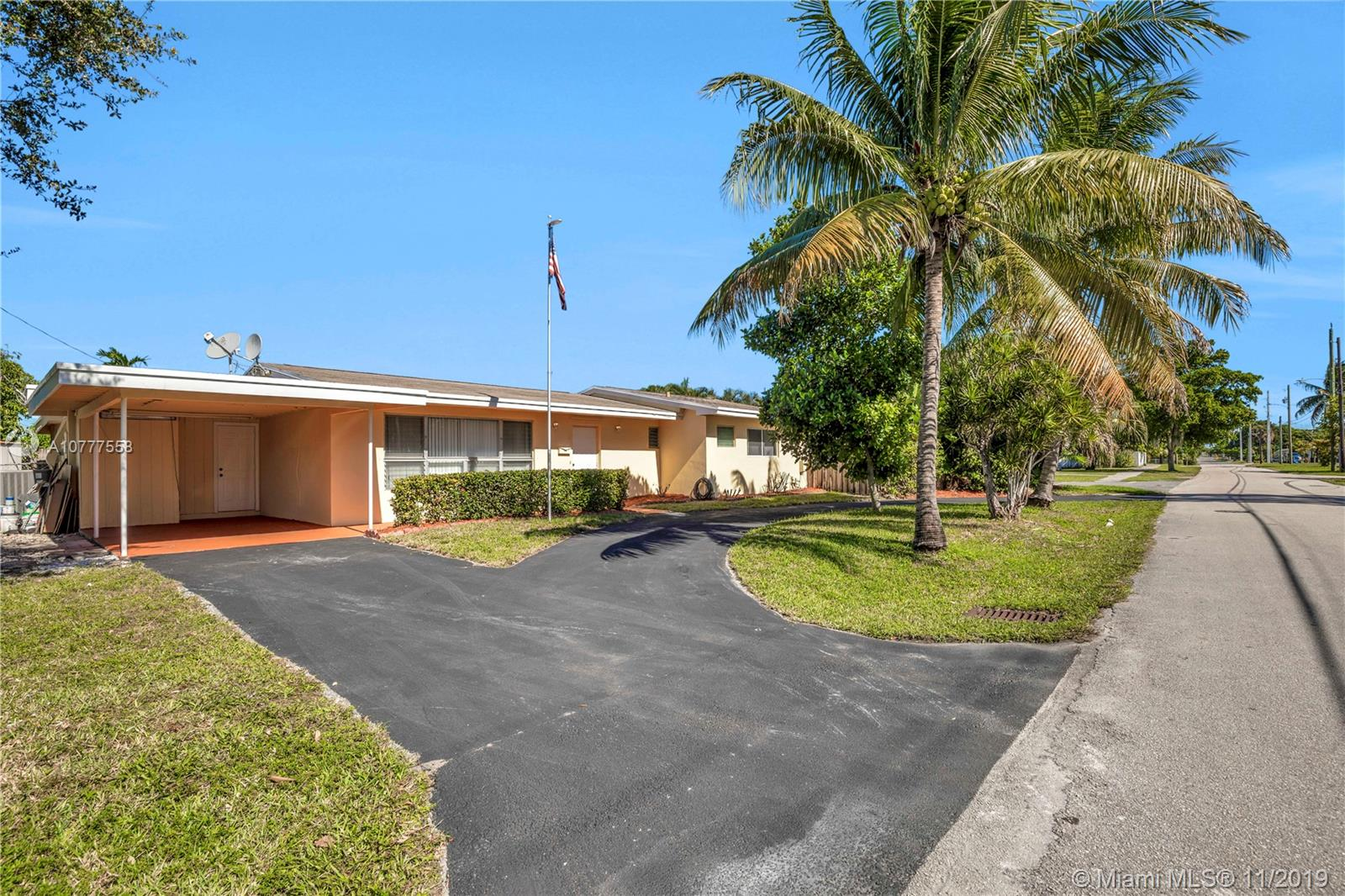 512 SW 5th St  For Sale A10777558, FL