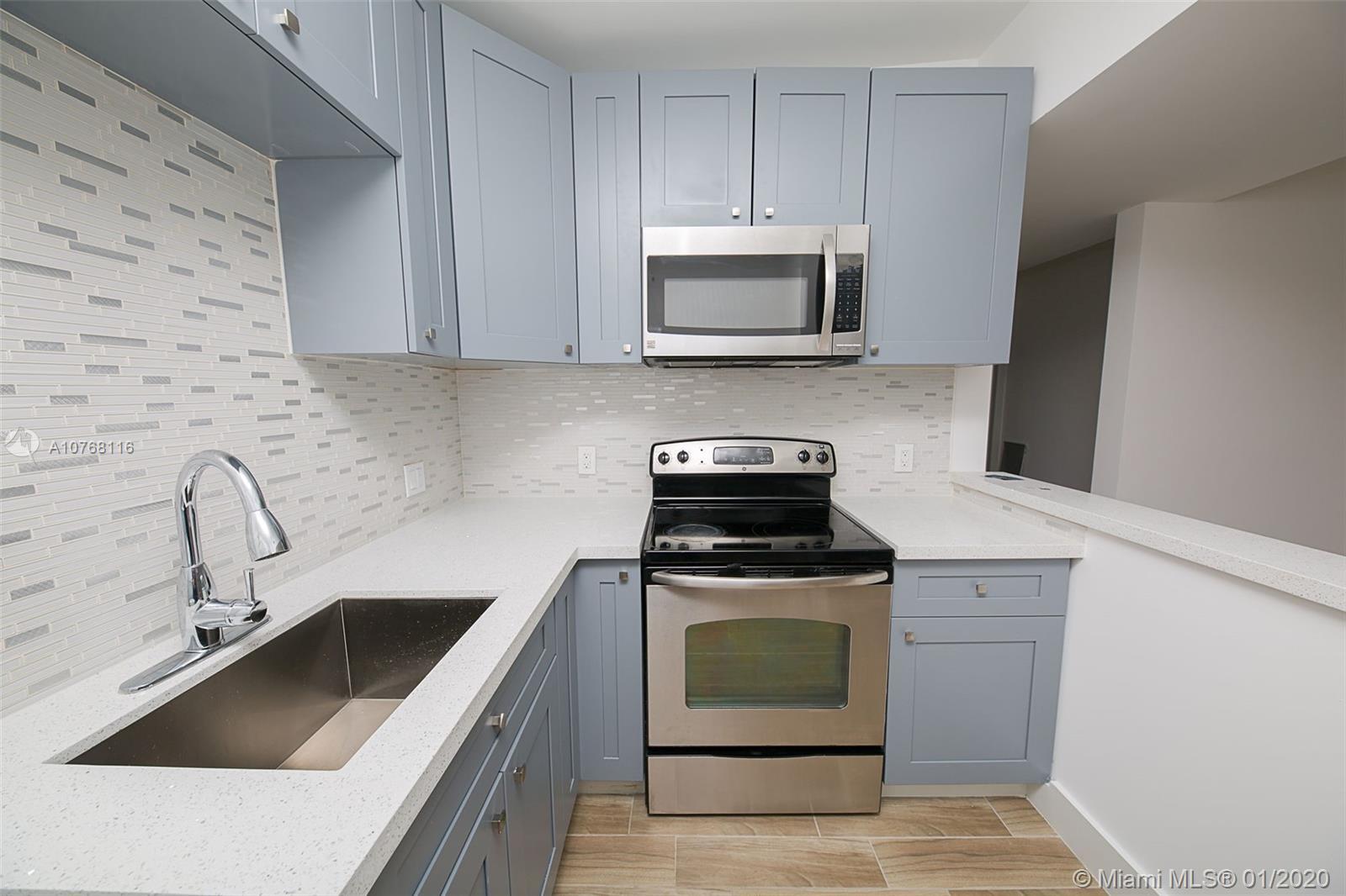 6321  Arthur St  For Sale A10768116, FL