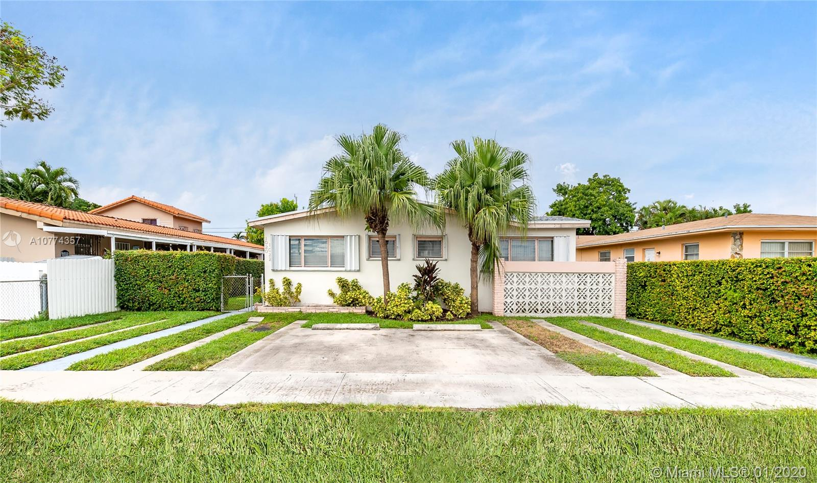 1022 SW 79th Ave  For Sale A10774357, FL