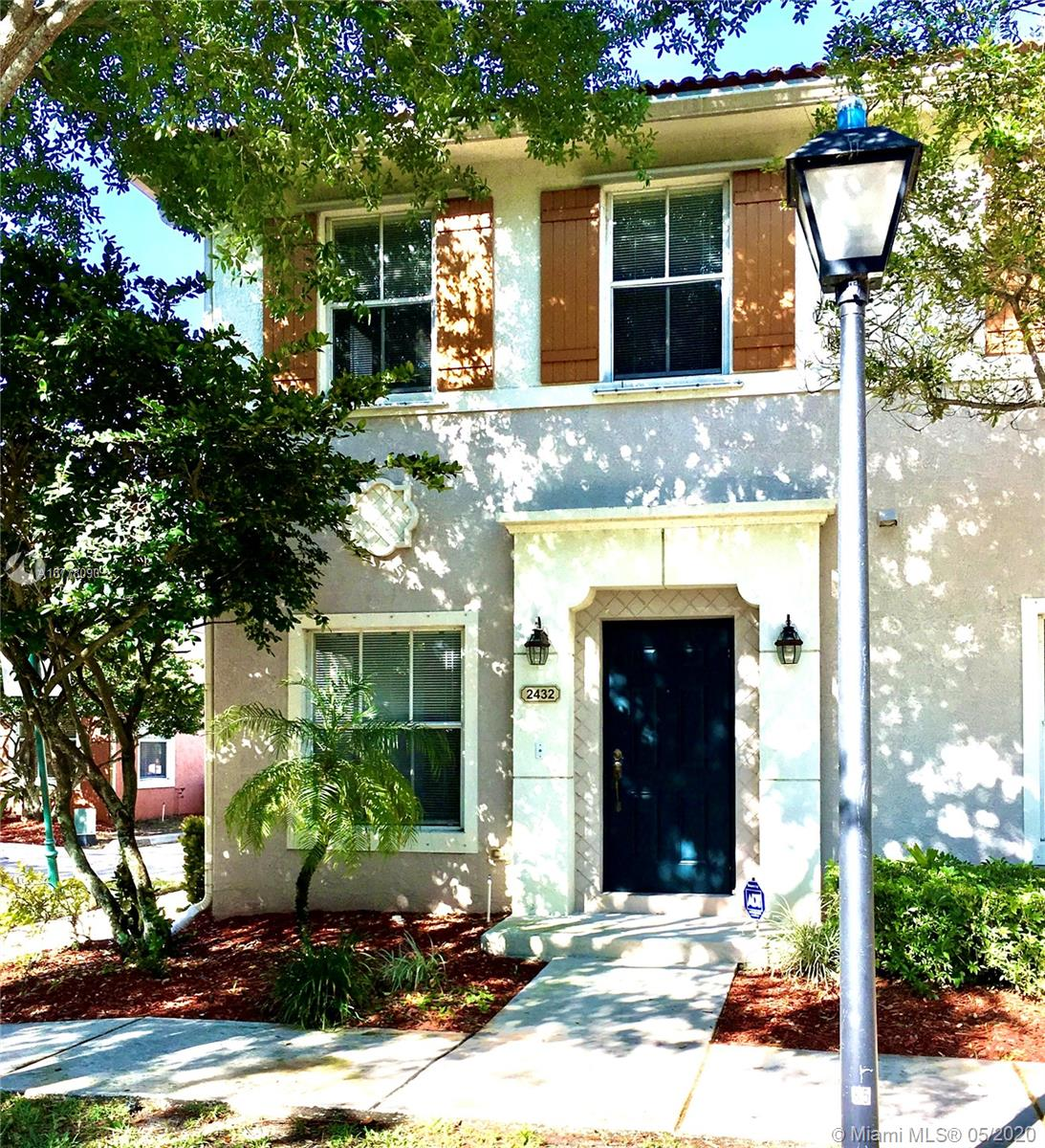 2432 SW 99th Way #2432 For Sale A10778090, FL