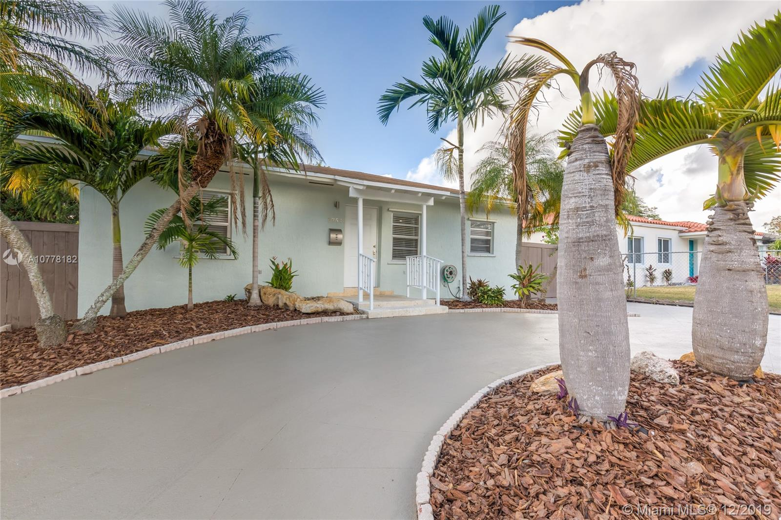 2754 SW 36th Ave  For Sale A10778182, FL