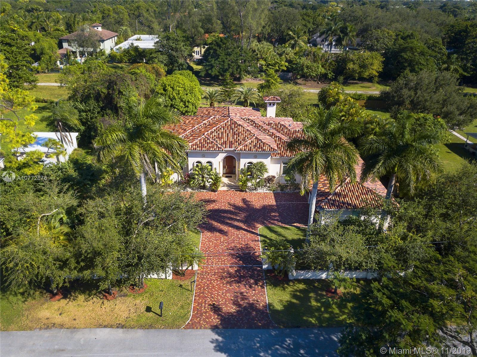 6767 SW 70th Ave  For Sale A10772876, FL