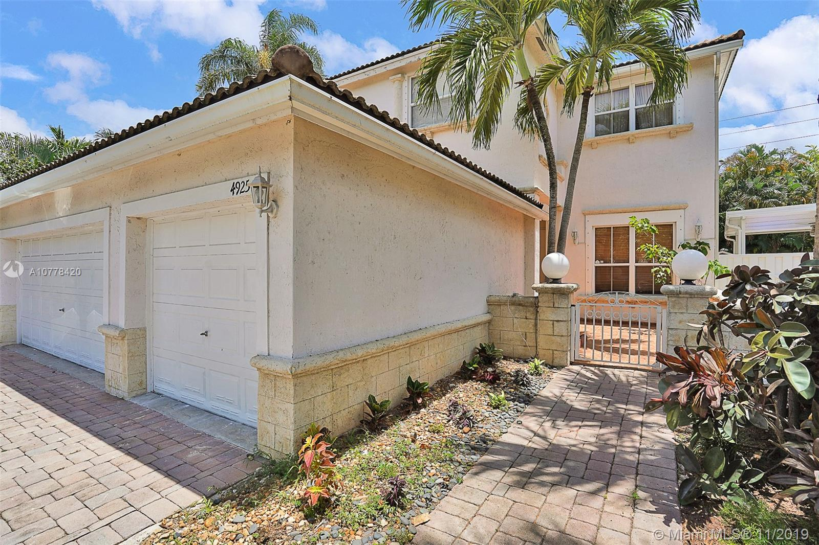 4925 SW 35th Ter  For Sale A10778420, FL