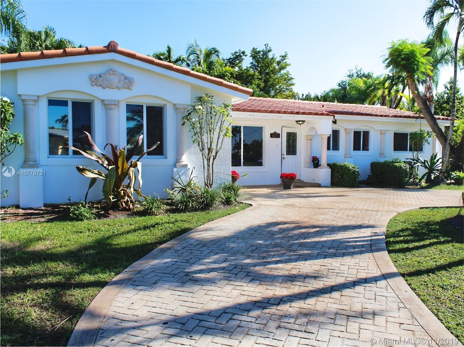 4235 SW 103 Ave  For Sale A10778721, FL