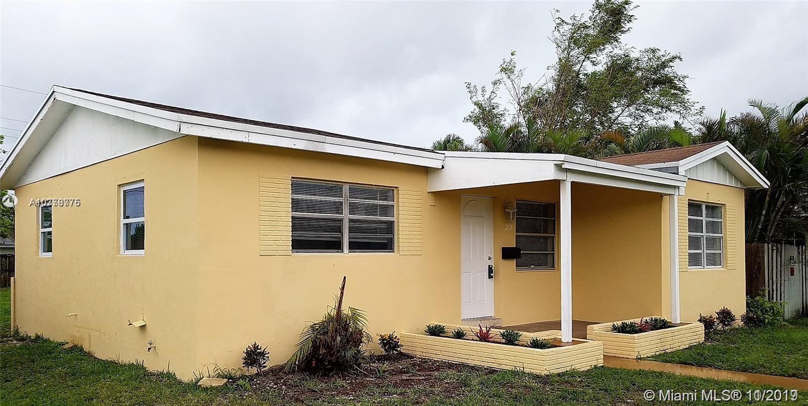 2728  Dewey St  For Sale A10778775, FL